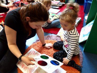 """BDM: Czytankowo – """" O dzieciach, które kochają książki""""-Peter Carnavas"""