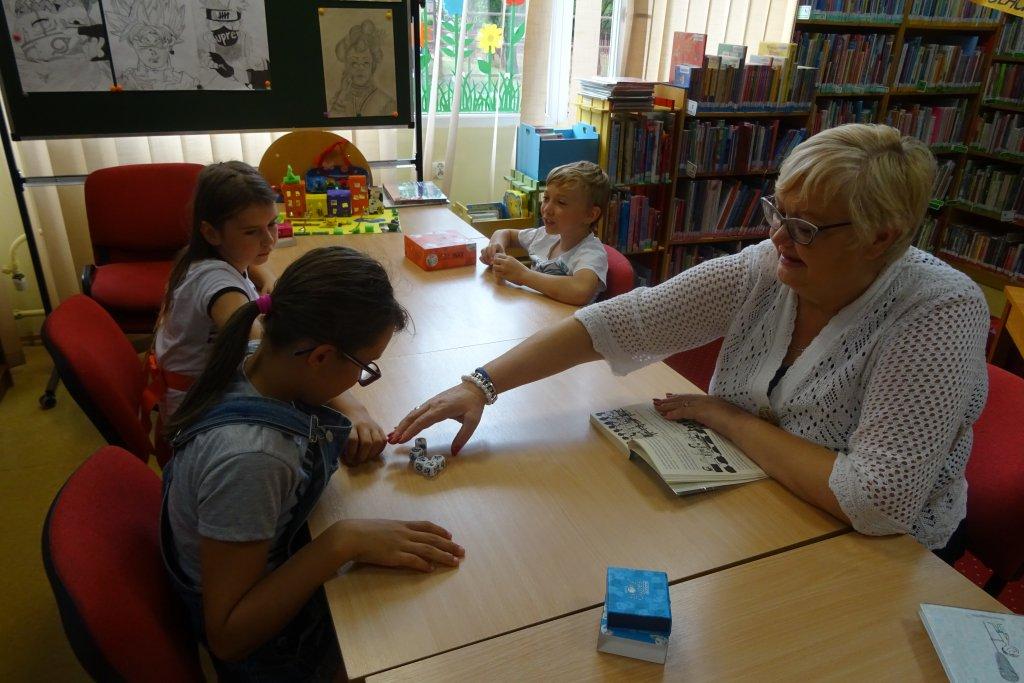 F3: Pomysłowe wakacje – biblioteczne atrakcje