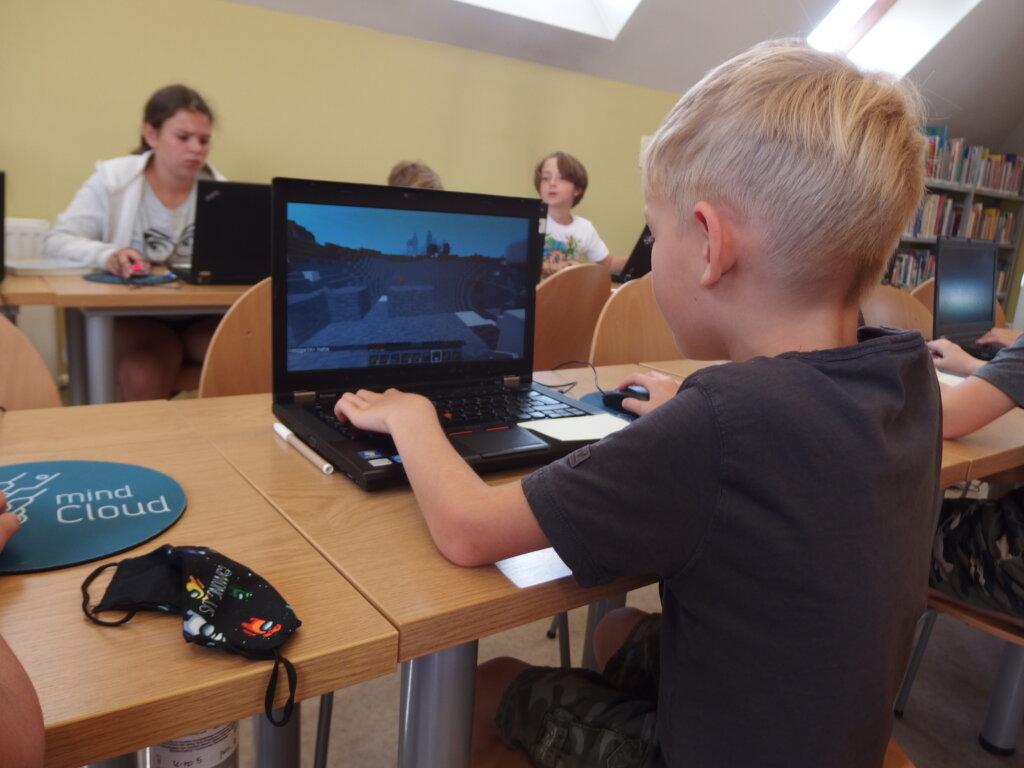Wakacje z minecraftem w bibliotece. Spotkanie 5: Miasto